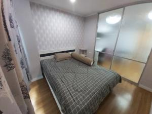 For RentCondoKhlongtoei, Kluaynamthai : Condo for rent, LPN (Lumpini Place), Rama 4 - Kluaynamthai, 22nd floor, room 2236, size 29 square meters, 1 bedroom, rental price 9,000 baht * free wallpaper in the whole room *
