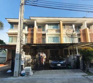 For RentTownhouseBang kae, Phetkasem : 3-storey townhome for rent, Town Plus Phetkasem-Bang Khae Phutthamonthon Sai 1 Road, near MRT Phasi Charoen, fully furnished