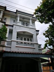 For RentTownhouseKaset Nawamin,Ladplakao : Rent 3-storey townhome behind the edge of Chokchai 4. Ladprao 47, a shortcut to Chokchai 4, fully furnished