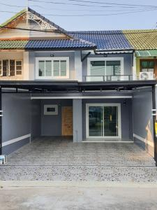 For SaleHouseBangbuathong, Sainoi : N0094 Townhouse for sale, Pruksa 3 Village, Bang Bua Thong, newly decorated, near Central Westgate and mrt, contact 064 746 4265