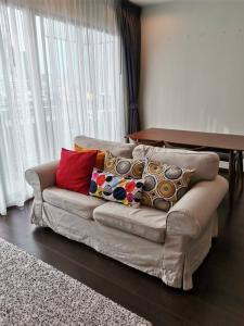 เช่าคอนโดสุขุมวิท อโศก ทองหล่อ : For Rent :  C Ekkamai  65 sq.m. 2bed2bath  ราคาเพียง 32,000 บาท Tel. 065-989-9065