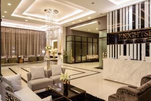 For SaleCondoSamrong, Samut Prakan : Condo for sale / rent, Knightsbridge Sky River Ocean, BTS Pak Nam, 200 m. Between Sukhumvit Road, Pak Nam Subdistrict, Mueang Samut Prakan District, Pak Nam, Mueang Samut Prakan, Samut Prakan