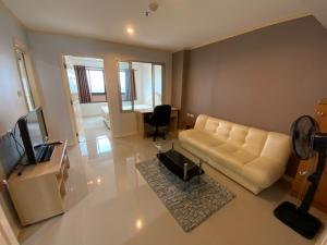 For RentCondoOnnut, Udomsuk : 🔥LS771001: Rent Lumpini Ville Sukhumvit 77, near BTS On Nut, beautiful room, high floor, good view, special price, one room !!