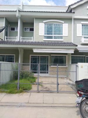For RentTownhouseSamrong, Samut Prakan : Townhome for rent, Indy Mega Bangna Km.7 (Phase 1), convenient transportation, next to Mega Bangna, 2 bedrooms, 3 bathrooms, with kitchen counter, air-conditioned, ready 15,000 / month.