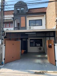For RentTownhouseOnnut, Udomsuk : For rent, beautiful house, renovated, townhouse on On Nut Road 70/1 in front of Seri village (just 500 m. From the front of the alley)
