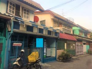 For SaleTownhousePattanakan, Srinakarin : Townhouse in the heart of the city Soi Pattanakarn 20 intersection 21 The price is very cheap.