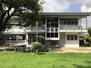 For RentHouseSukhumvit, Asoke, Thonglor : Big house 2 storey for rent Soi Sukhumvit 62 Big House (200 Square Wah) for RENT - Sukhumvit 62 (Near BTS-BangChak Sta.)
