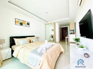 For SaleCondoPattaya, Bangsaen, Chonburi : New year gifts Own a water park style condo, the largest in Pattaya, easy to pay 4, xxx baht per month
