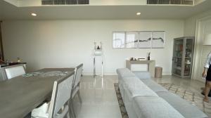 For SaleCondoSukhumvit, Asoke, Thonglor : Under market price! Luxury Condo For Sale Royce Private Residences Sukhumvit 31 BTS Phrom Phong.