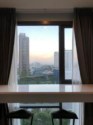For SaleCondoSukhumvit, Asoke, Thonglor : Condo for sale: Condo Rhythm Sukhumvit 42, sale 8.65 million, rent 23,000 baht.