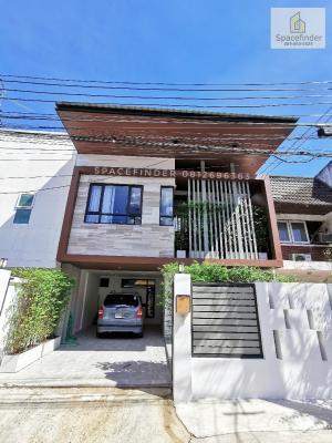 ขายทาวน์เฮ้าส์/ทาวน์โฮมอ่อนนุช อุดมสุข : Newly Renovated 3 Bedrooms Townhome For Rent/Sale In Preedee Area 0890505525