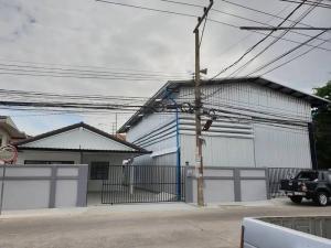 For RentWarehouseRangsit, Patumtani : Warehouse for rent with office, size 448 sq m. Soi Lam Luk Ka 4, near Zeer Rangsit.