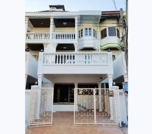 For RentTownhouseRamkhamhaeng, Hua Mak : Town House For Rent located Ramkhamhaeng Area, Near Assumption University