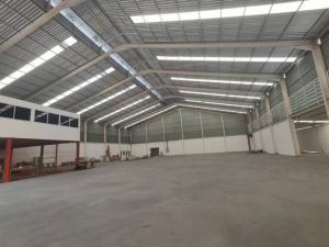 For RentWarehousePattanakan, Srinakarin : Factory, warehouse for rent with office, size 1800 sq m., Next to Suwinthawong Road, Nong Chok, Suwinthawong