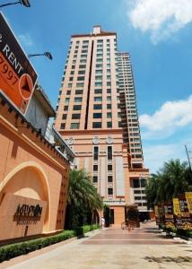 For RentCondoSukhumvit, Asoke, Thonglor : Line ID : @lovebkk (with @ too)   Aguston Sukhumvit 22,  54 sqm, starting price 30,000 baht.