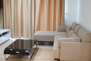 For RentCondoOnnut, Udomsuk : ++ Urgent rent ++ Siri at Sukhumvit location Sukhumvit 38, 2 bedrooms, 68.62 sq.m., beautiful room
