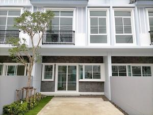 For RentTownhousePattanakan, Srinakarin : 2-storey townhome for rent, Indy Srinakarin-Praksa, 2 bedrooms, new house has never been in.