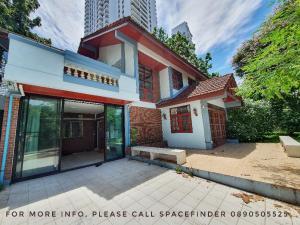 เช่าบ้านสุขุมวิท อโศก ทองหล่อ : Pet Friendly 4 Bedrooms House for rent in Thonglor Area in the middle of Thonglor Area (Sukhumvit 55)
