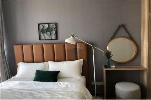 For SaleCondoSukhumvit, Asoke, Thonglor : Condo for sale Park 24, 2 bedrooms, 55 sqm., Near BTS Phrom Phong, fully furnished room with all appliances. With a good view in full, peaceful, shady, safe, very pleasant to live