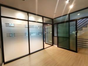For SaleHome OfficeSamrong, Samut Prakan : For sale Home Office Plex Bangna, Plex Bangna 3floor 25 sq.w. Bangna Km. 5