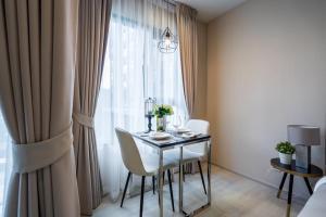 For RentCondoWitthayu,Ploenchit  ,Langsuan : Condo for rent, Life One Wireless, 4th floor, Re63-0099.