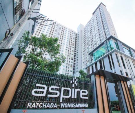 For RentCondoBang Sue, Wong Sawang : Condo for rent, Aspire Ratchada-Wongsawang, near MRT Wong Sawang, ready to move in, 26 sqm, starting price 7,500 baht.