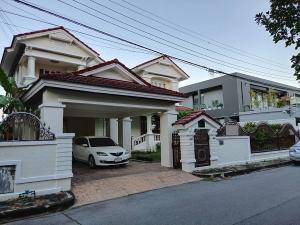 For SaleHousePattanakan, Srinakarin : 2-storey detached house for sale, area 114 sq m, usable area 390 sq m, 5 bedrooms, 4 bathrooms, Chalerm Prakiat Rama 9 road, near Suan Luang, selling price 12 million baht.