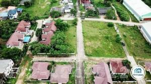 For SaleLandSa Kaeo : Land with buildings, area 25 rai, housing projects Selling the whole project below the estimated price, 900 meters away from Suwannason Road, the entrance to the alley next to Big C, Muang District, Sa Kaeo Province.