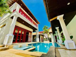 For SaleHouseChonburi, Pattaya, Bangsa : Large house, 4 bedrooms, 5 bathrooms, 1 living room, 1 bedroom, 2 bathrooms, Muang Pattaya, Bang Lamung District, Chonburi