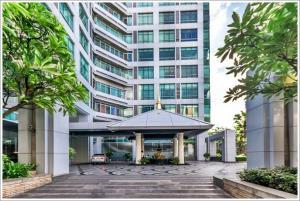 For RentCondoWongwianyai, Charoennakor : Condo for rent Baan Sathorn Chaopraya, near BTS Krung Thon Buri, ready to move in, 85 sqm, starting price 23,000 baht