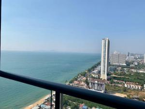 For SaleCondoPattaya, Bangsaen, Chonburi : Urgent sale Aeras condo, sea view, focus on selling with furniture and decorations as in the picture