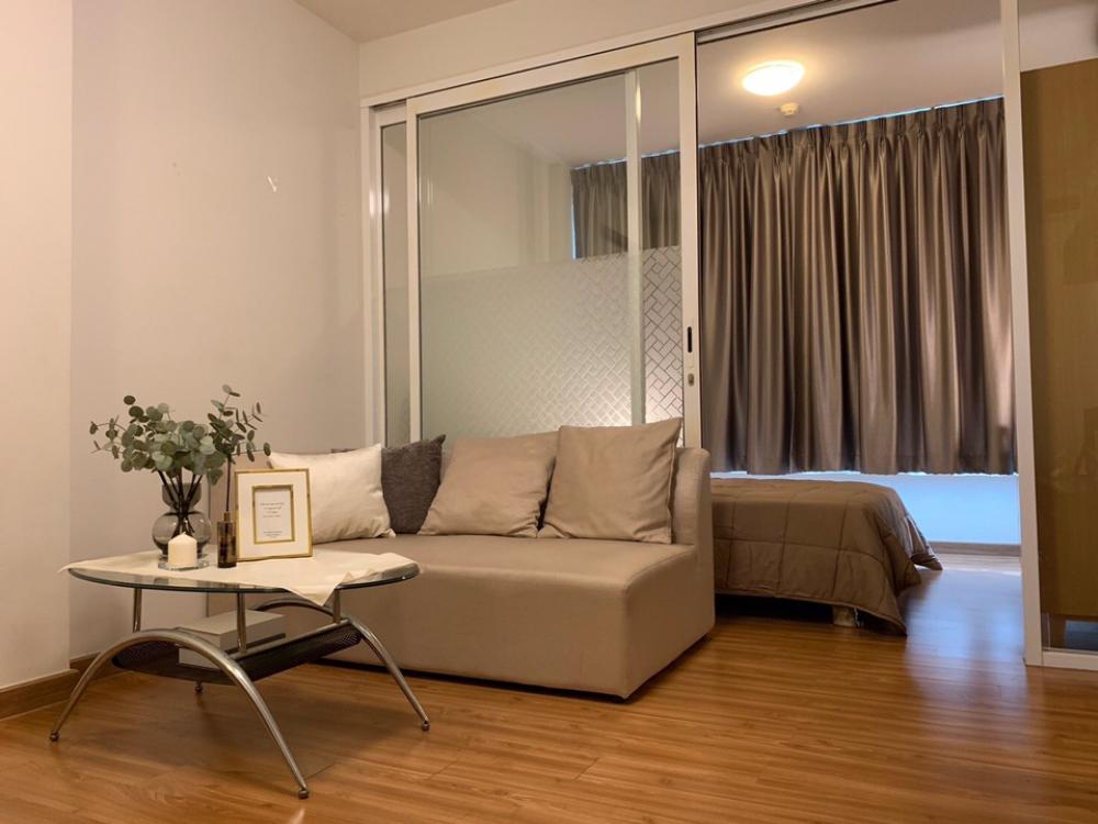 For RentCondoRama9, RCA, Petchaburi : ให้เช่าคอนโด i-Biza RCA Tower A ชั้น 4 ห้องมุม 30 ตารางเมตร ตกแต่งสวย