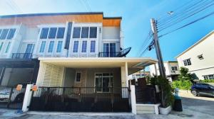 For RentTownhouseKaset Nawamin,Ladplakao : B263 Townhouse for rent, 2 floors, usable area 130 square meters, behind the corner of Golden Town 2, Soi Nawamin 42.