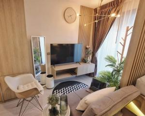 For RentCondoLadprao, Central Ladprao : 💕 For rent, Life Ladprao Condo 💫 Beautifully decorated room, full With high-class electrical appliances, floor 30, ready to move in