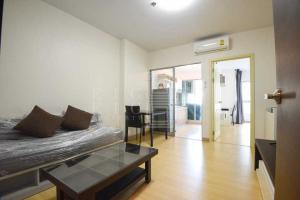 เช่าคอนโดพระราม 9 เพชรบุรีตัดใหม่ : For Rent Supalai Veranda Rama 9 (42 sqm.)