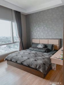 For SaleCondoRama9, RCA, Petchaburi : 2 bedrooms with fully furnished on 32rd floor. With panorama view