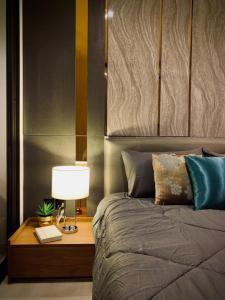 For RentCondoWitthayu,Ploenchit  ,Langsuan : Condo for rent, Life One Wireless, 14th floor, Re63-0112.