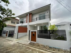 For RentHouseLadprao, Central Ladprao : House for rent in Lat Phrao Soi Ratchadaphisek 42, near Ha Yaek, Ladprao 2-storey brand new house near Major Ratchayothin, near BTS MRT.