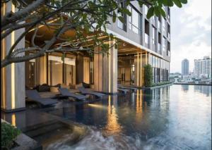 For RentCondoOnnut, Udomsuk : Central luxury condo, must be here. Condo The Line Sukhumvit 71 # near BTS Phra Khanong (500 meters)