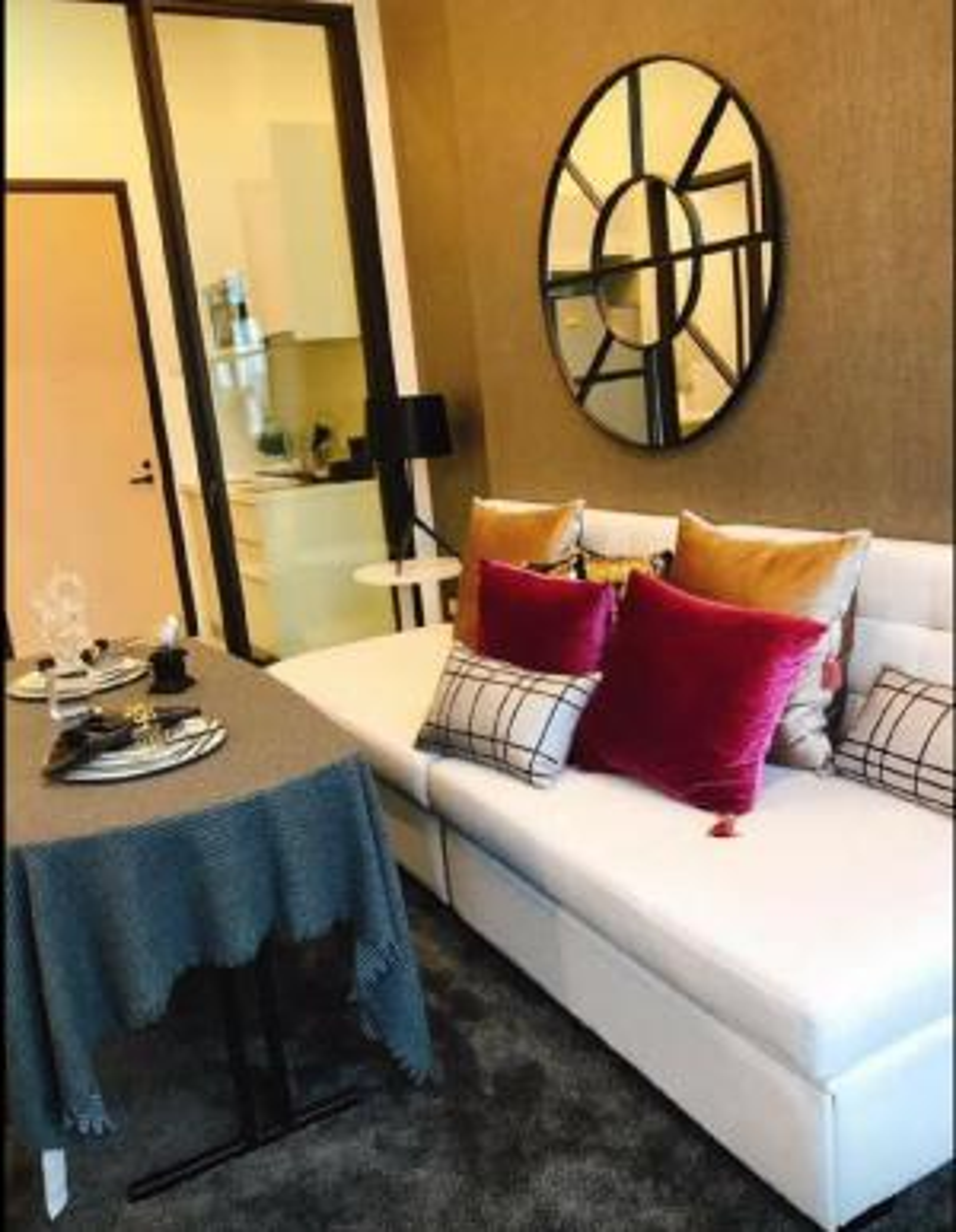 For RentCondoRama9, RCA, Petchaburi : Duplex 2 storey room, very beautiful decorated room, Chewathai Residence Asoke condo.