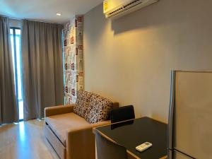 For RentCondoWongwianyai, Charoennakor : Rent Ideo Mobi Sathorn 1bedroom 14,000 baht.