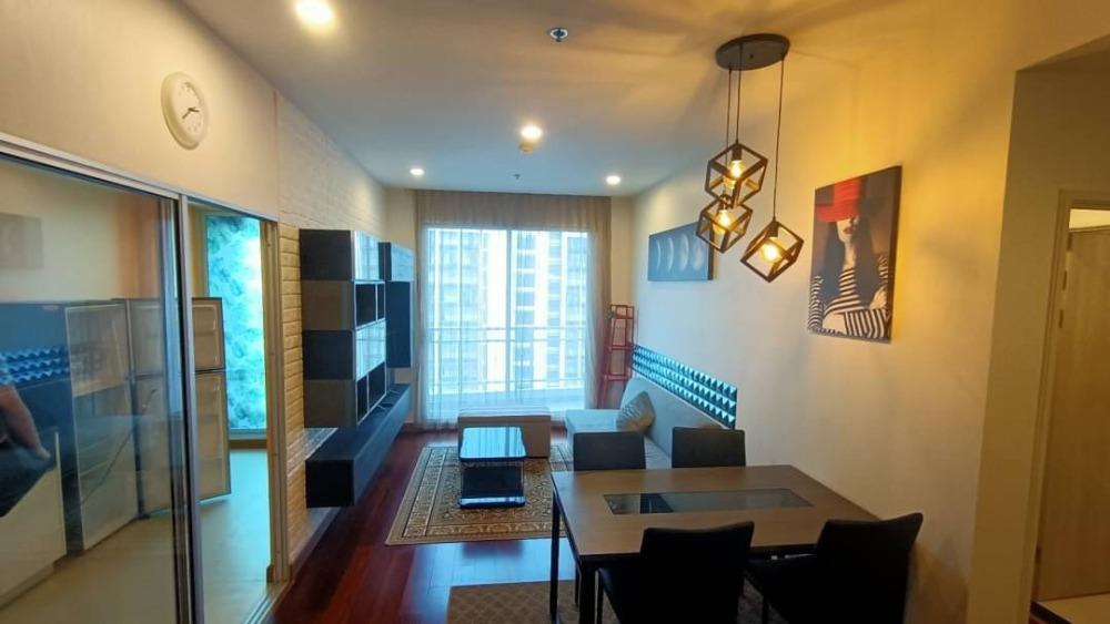 For RentCondoSathorn, Narathiwat : 1617-M😊😍 For RENT & SELL 2 bedrooms for rent and sale 🚄 near MRT Surasak (2.1 m.) 🏢 Supalai Lite Sathorn-Charoenrat. 🔔 Area: 82.00 sq.m. Rent: 33,000.- Baht 💲 Sale: 8,450,000.- baht บาท: 099-5919653✅LineID: @sureresidence