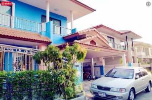 "For SaleHouseRathburana, Suksawat : Very cheap sale, 2 storey detached house, area 62 square meters, village ""Baan Fah Green Park Royal Thonburi Rom"" Pracha Uthit Road, price only 3.5 million baht"
