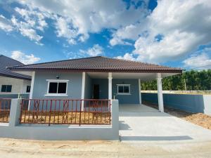 ขายบ้านฉะเชิงเทรา : บ้านเดี่ยว หมู่บ้านเปิดใหม่ ฉะเชิงเทรา พนมสารคาม 3ห้องนอน 2ห้องน้ำ