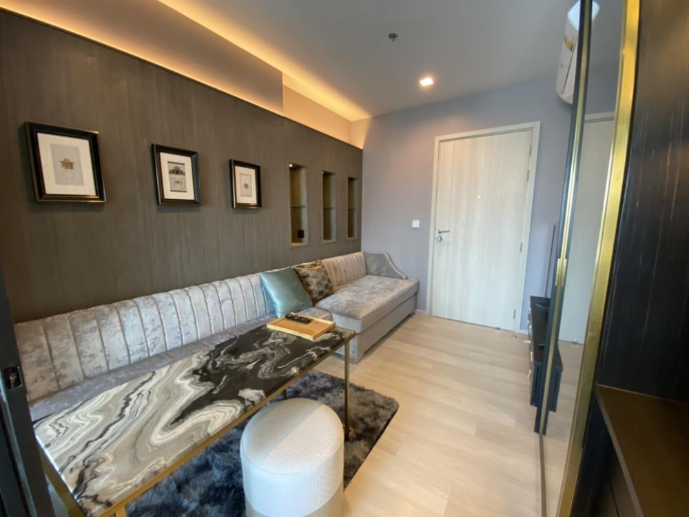 "For RentCondoWitthayu,Ploenchit  ,Langsuan : For Rent "" life one wireless "" Nice decoration ,high floor,"