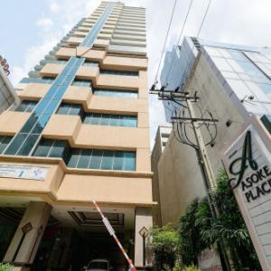 For RentCondoSukhumvit, Asoke, Thonglor : Condo for rent Asoke Place, near BTS Asoke and MRT Sukhumvit, ready to move 82 sqm, starting price 25,000 baht