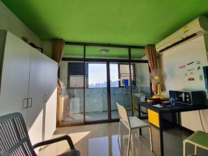 For SaleCondoRatchadapisek, Huaikwang, Suttisan : Condo for sale, Sup Kaew Tower, Huay Kwang-Ratchada, size 30 sqm., 22nd floor, price 1.39 million, near Huai Khwang MRT, beautiful room, good location