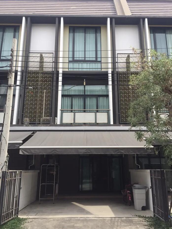 For RentTownhouseBang Sue, Wong Sawang : New 3-storey townhome for rent near The Mall Ngamwongwan / Purple Line BTS