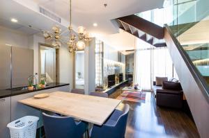 เช่าคอนโดสุขุมวิท อโศก ทองหล่อ : The XXXIX Duplex for rent!!