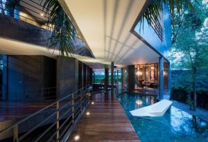 เช่าโฮมออฟฟิศสุขุมวิท อโศก ทองหล่อ : +++ Phrom Phong  Luxury House for operating Home Office , Spa or Restaurant ( Negotiable)